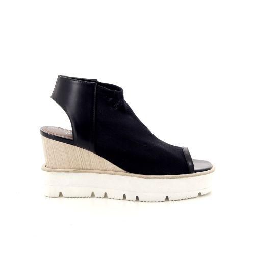 Akua damesschoenen sandaal zwart 172949